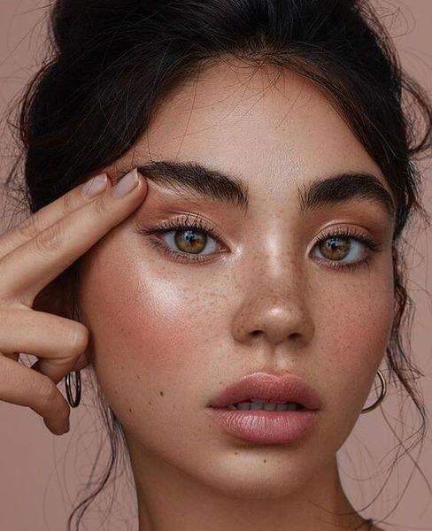 Thread Lifts and fat graft treats facial aging