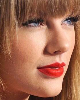 Taylor Swift's beautiful fuller lower lips